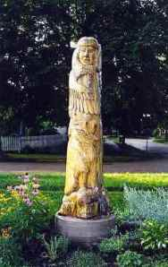 The Effigy Tree Sculpture, before removal for renovation