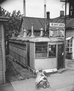 The Spot Lunch at 640 Williamson Street in 1952, courtesy of Wisconsin Hisotrical Society. Image WHi-24415.